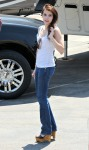 emma_roberts_67421_preppie_emma_roberts_on_valentines_day_set_in_l_a_july_30_2009_5207_122_123lo_4Peokf9