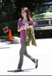 emma_roberts_on_set_july_14_MuusuaM